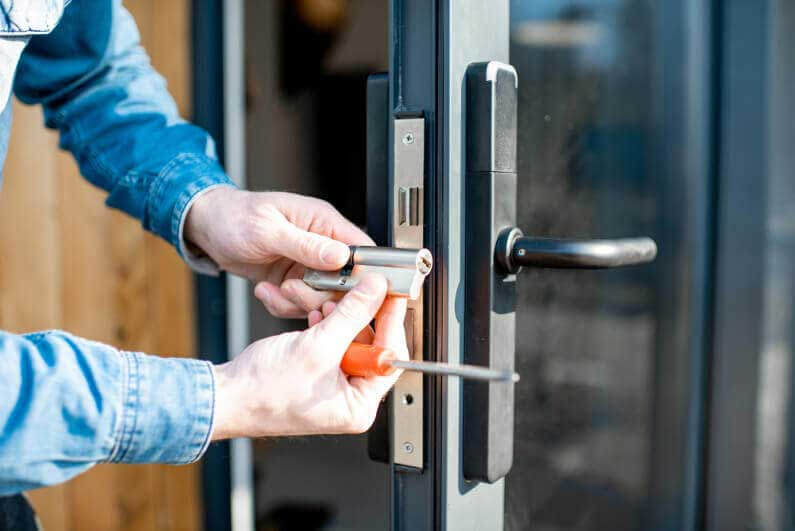 Locksmith Long Beach Commercial Services